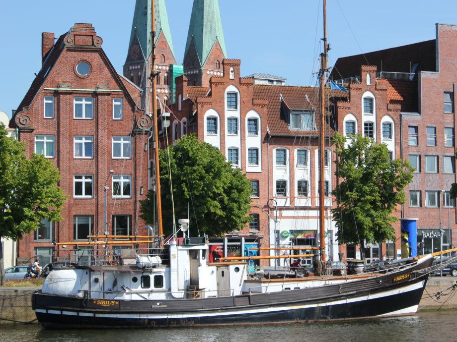 Außenaufnahme Traveblick am Museumshafen