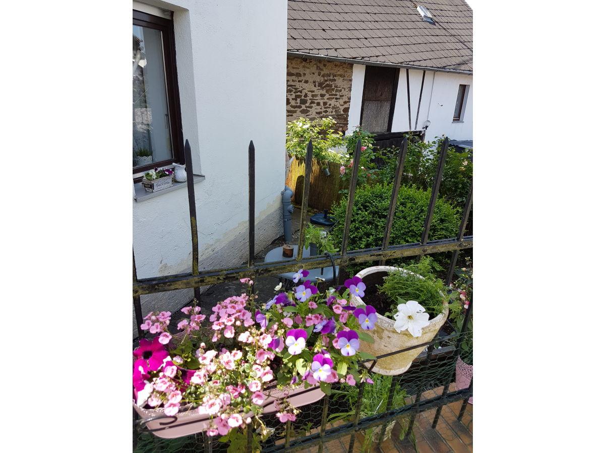 Ferienhaus lasserg cottage vulkaneifel mosel maifeld - Cottage garten terrasse ...
