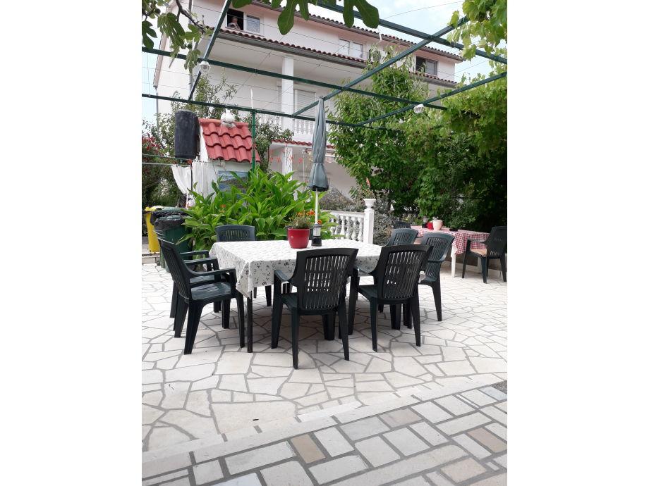 Wohnung haupt Terrasse mit Grillkamin