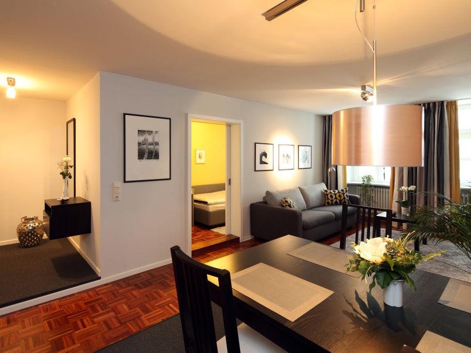 Wohnzimmer mit Ausziehbarer Doppelbettcouch
