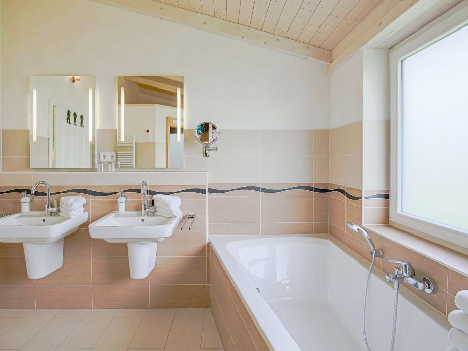Luxus Badewanne Mit Dusche : Ferienhaus F?hr, Nordsee, Nordfriesland, Dageb?ll – Firma Ferien an
