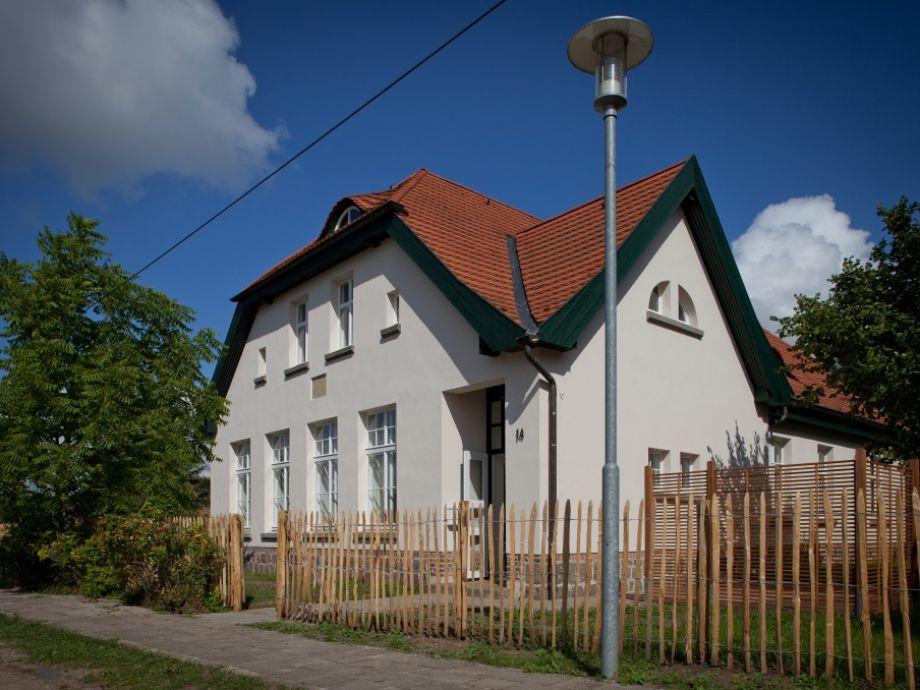 Das Pfarrhaus mit Blick auf Wohnung I