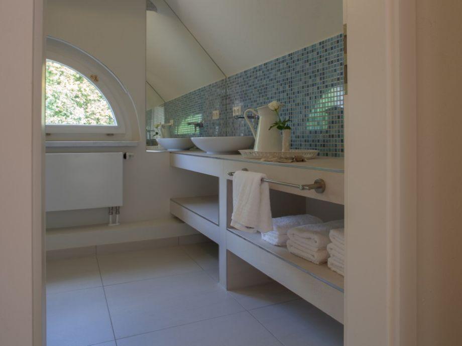 ferienhaus ehemaliges pfarrhaus alt teterin wohnung i. Black Bedroom Furniture Sets. Home Design Ideas