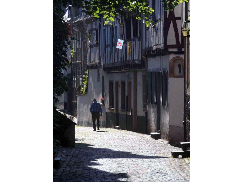 die Hochstraße, im historischen Ortskernt von Ediger