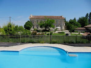 Bed & Breakfast Le Petit Chateau Servanches