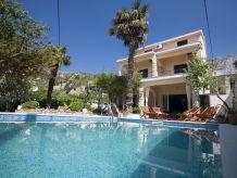 Villa Villa Vojnovic mit Pool