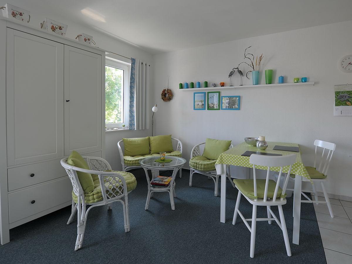 ferienwohnung studio 8 im 1 og haus stranddistel fischland dar zingst firma iss immobilien. Black Bedroom Furniture Sets. Home Design Ideas