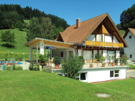 Exclusives Ferienhaus mit Pool, Schwarzwald Offenburg - Herr ...