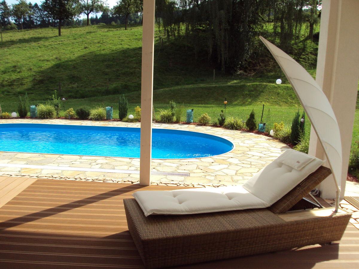 exclusives ferienhaus mit pool schwarzwald offenburg herr helmut walter. Black Bedroom Furniture Sets. Home Design Ideas