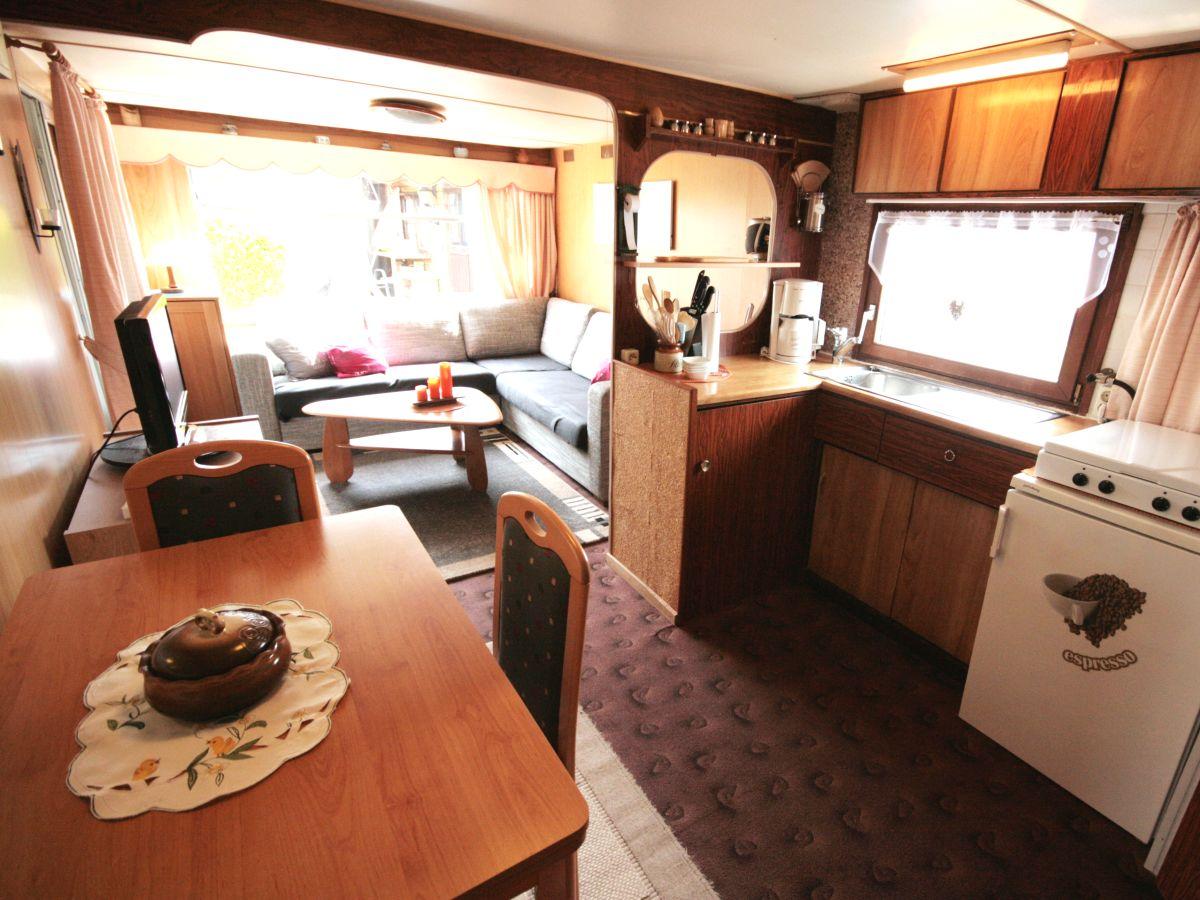 chalet am wasser mit bootssteg ort lemmer an die seenplatten und das ijsselmeer firma aqua. Black Bedroom Furniture Sets. Home Design Ideas