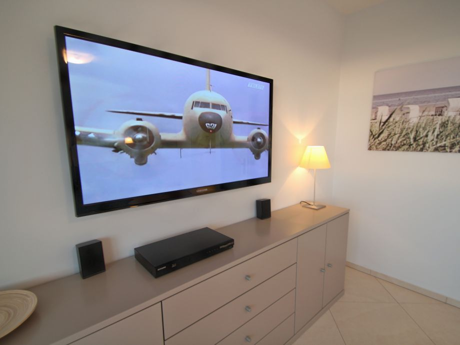 Großbildfernseher, 51 Zoll, HDTV,Blue-Ray eimkino-Syst.