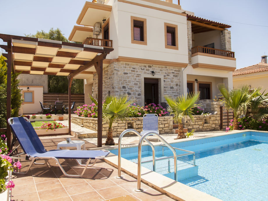 Stonehouse Cleopatra with private Pool