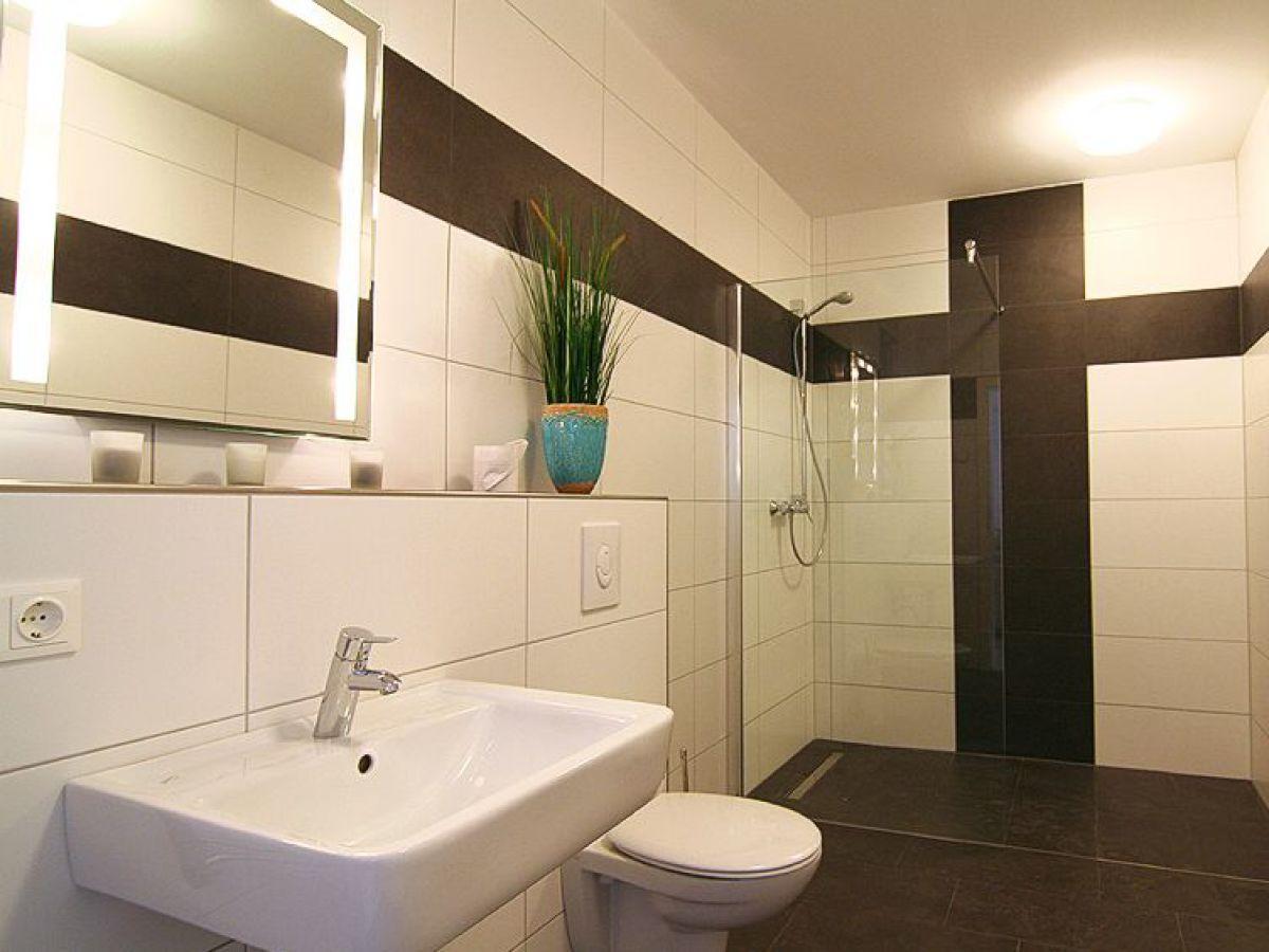 badezimmer potsdam store badezimmer potsdam berlin creme guides das badezimmer potsdam gt. Black Bedroom Furniture Sets. Home Design Ideas