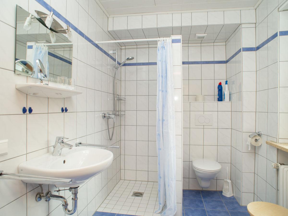 winzerhof ferienwohnung kerner auf dem weingut mosel mittelmosel zell traben trarbach. Black Bedroom Furniture Sets. Home Design Ideas