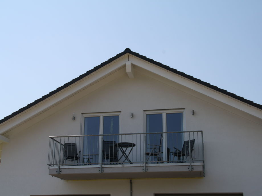 Balkon mit Blick ins Moseltal