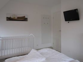 Schlafen 2 mit Kinderbett