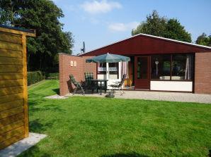 """Ferienhaus Nr. 172 im Park """"Geestmerambacht"""" /Schoorldam"""
