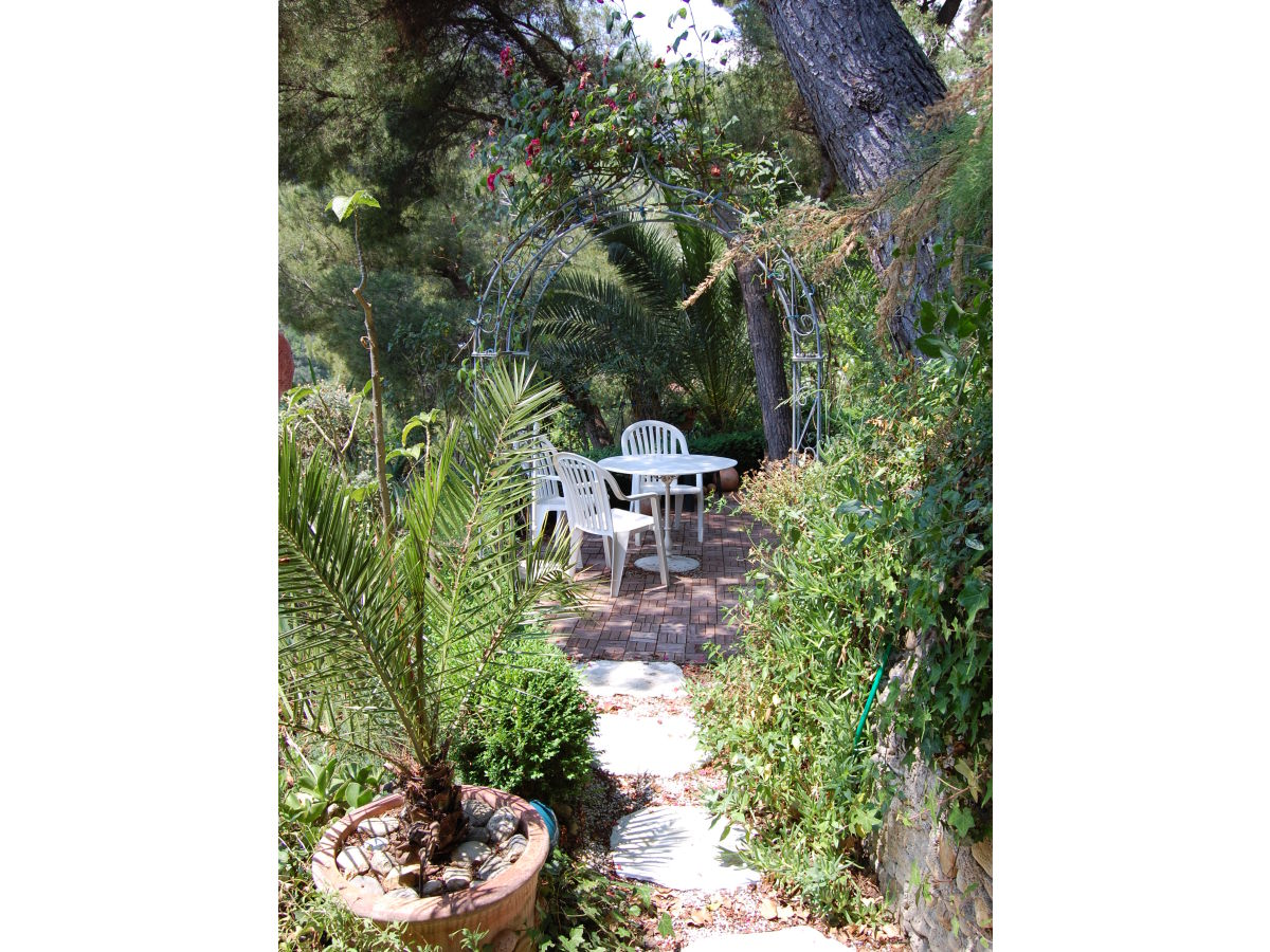 Garten-Apartment - Castel d´Incze, Cote d'Azur - Herr ...