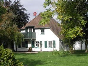 """Ferienhaus """"Frau Muckenauers Reihernest"""""""