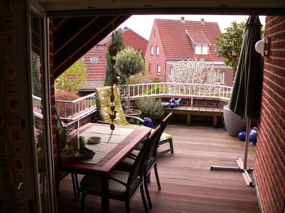 teilw. überdachter Balkon