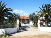 Villa Ferienhaus Die Steinhaus-Villa Paramithi