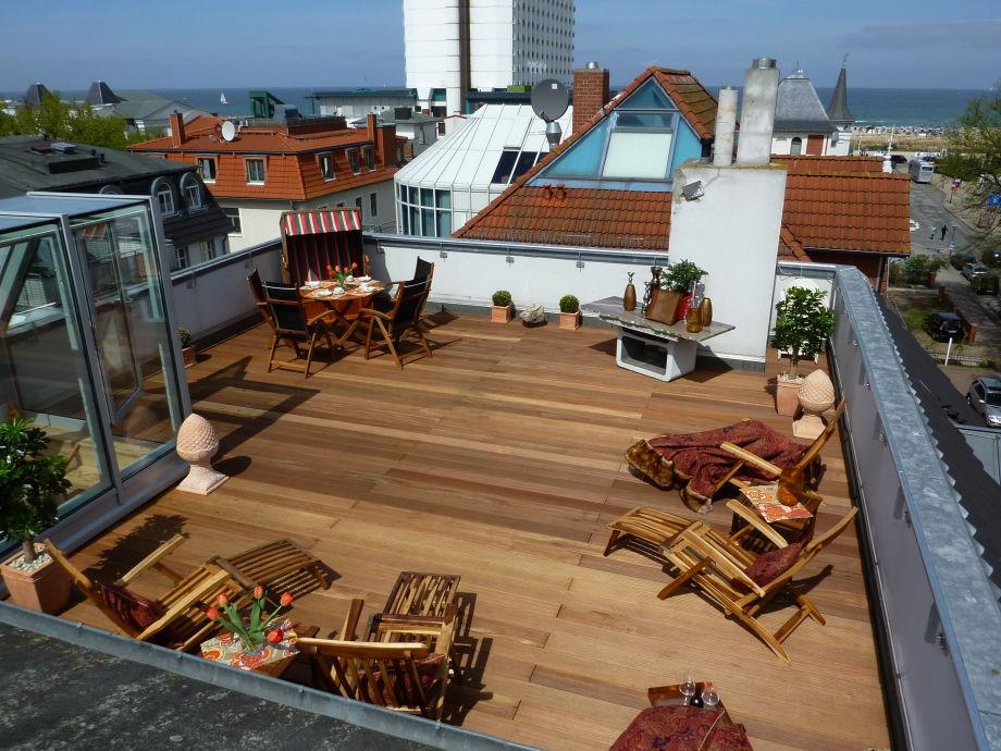 Dachterrasse 65 qm mit Blick zur Ostsee und Warnemünde