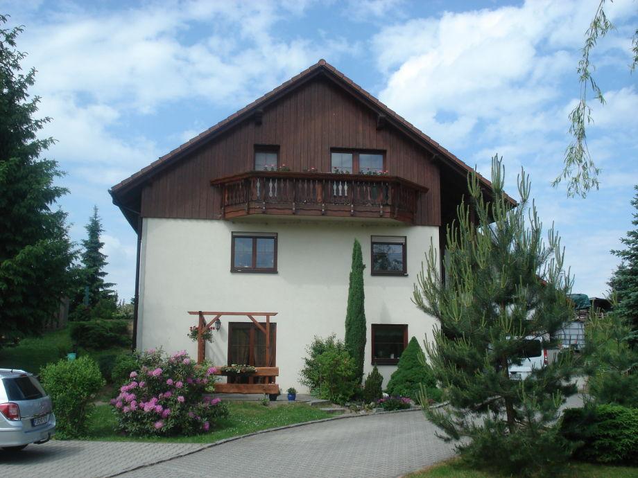 Unser Wohnhaus mit Ferienwohnung/ Terrasse