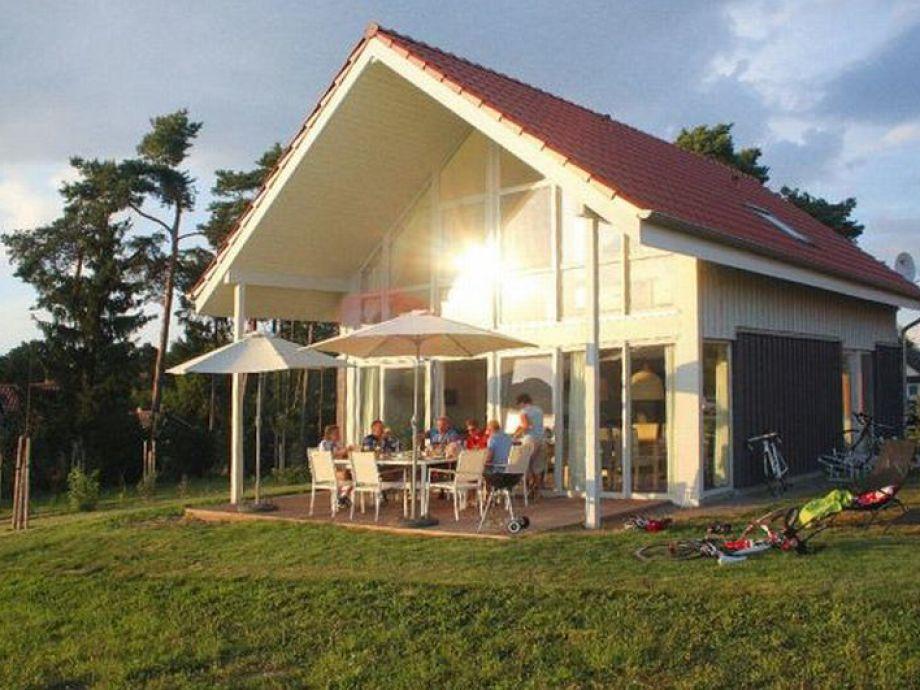 Ferienhaus an der Müritz im Sonnenschein