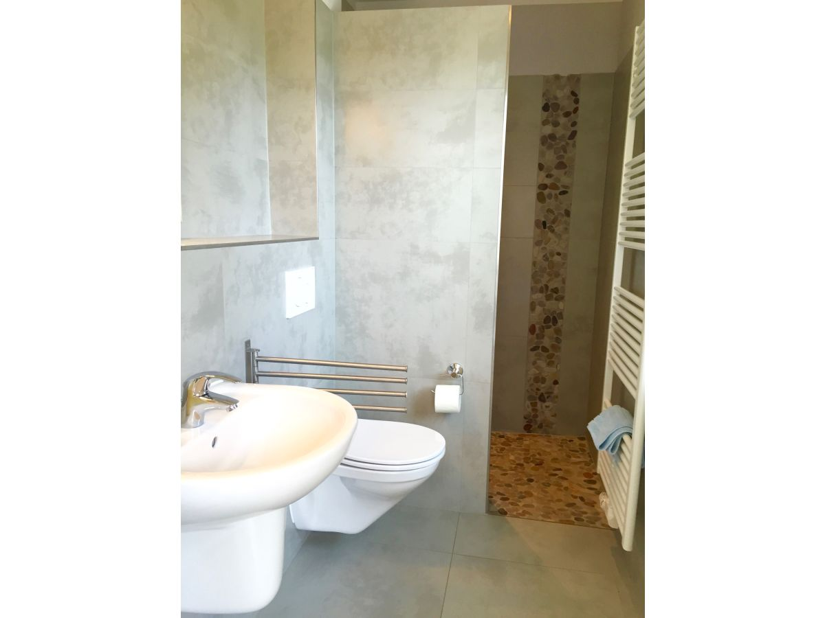 Kleines duschbad kleines duschbad ferienwohnung marion for Nenning wohndesign