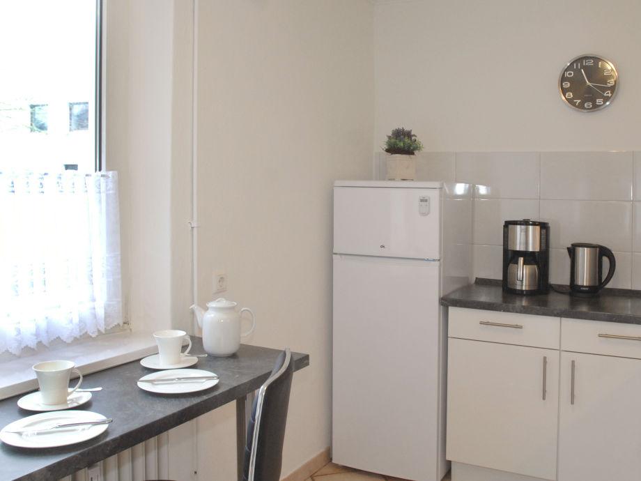 ferienwohnung mit terrasse und gro em garten schleswig holstein l beck frau bettina boos. Black Bedroom Furniture Sets. Home Design Ideas