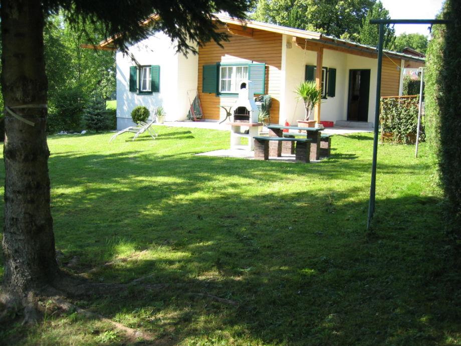 Ferienhaus Irrsee mit Garten