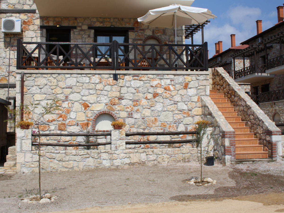 holiday house the stonehouse pythagoras chalkidiki firma the house from the outside