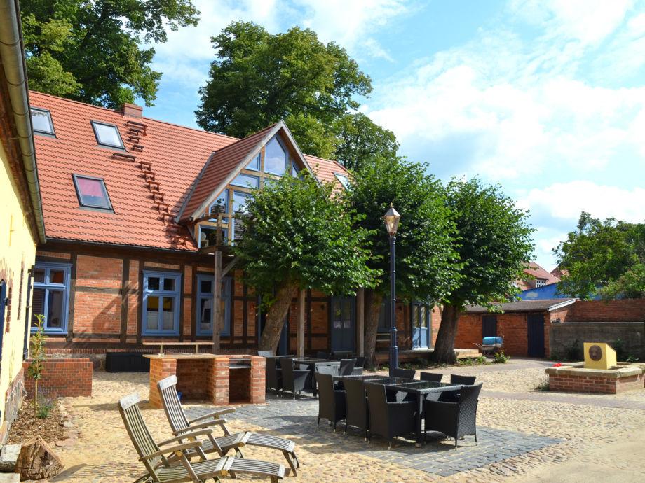 KulturHof – altes Bauernhaus mit großem Innenhof