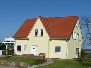 "Holiday apartment ""Das Gelbe Haus 2"""