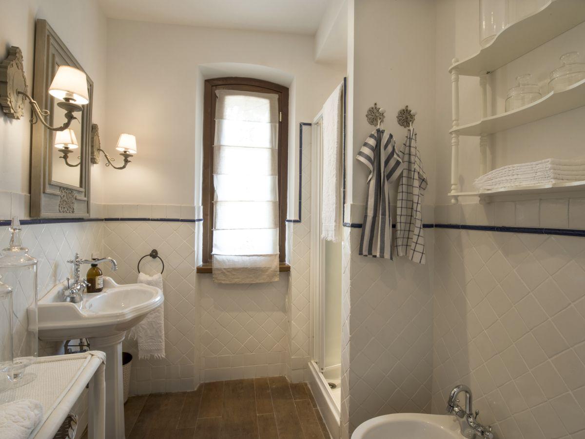 villa rosmarino toskana am meer riviera della versilia apuana frau cosima. Black Bedroom Furniture Sets. Home Design Ideas