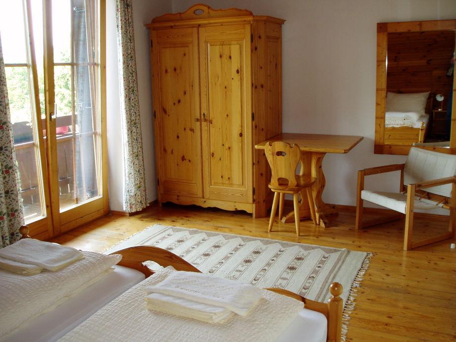 ferienhaus fischerwinkel schloss wasserleonburg n tsch im gailtal villach naturpark. Black Bedroom Furniture Sets. Home Design Ideas