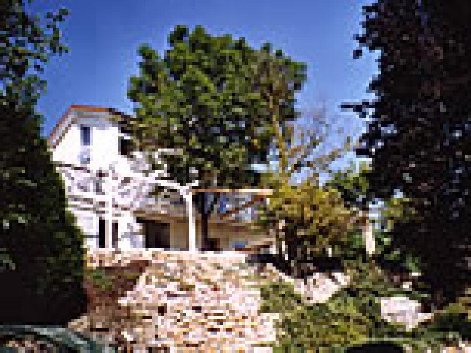 Ansicht des Ferienhaus vom Grundstück