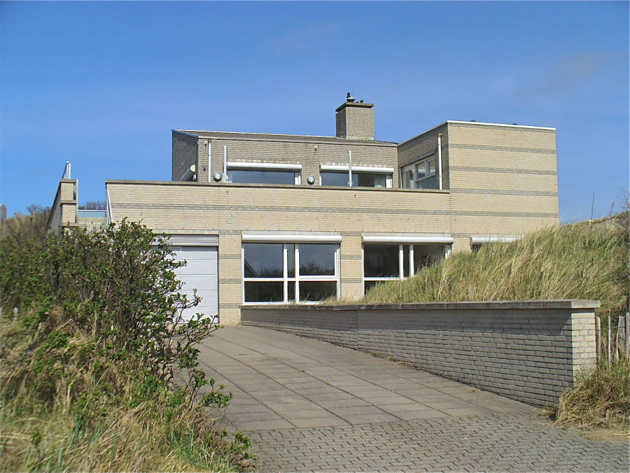 Villa Strandhuys mit Zufahrt