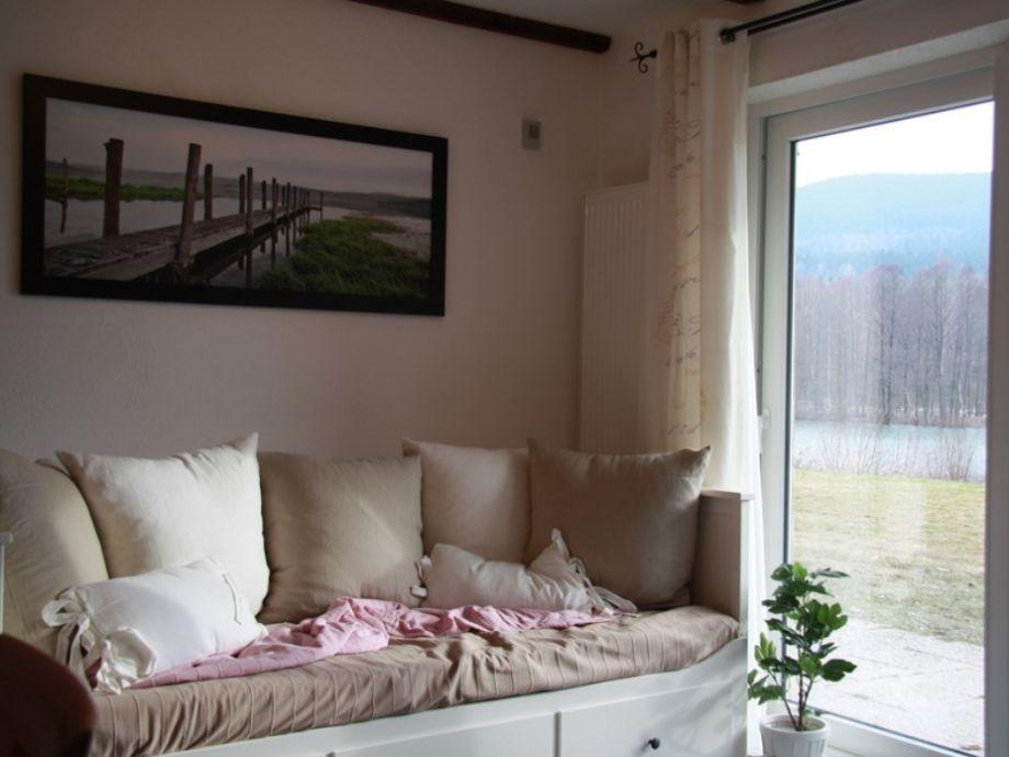Ihr Wohnzimmer mit ausziebarem Doppelbett