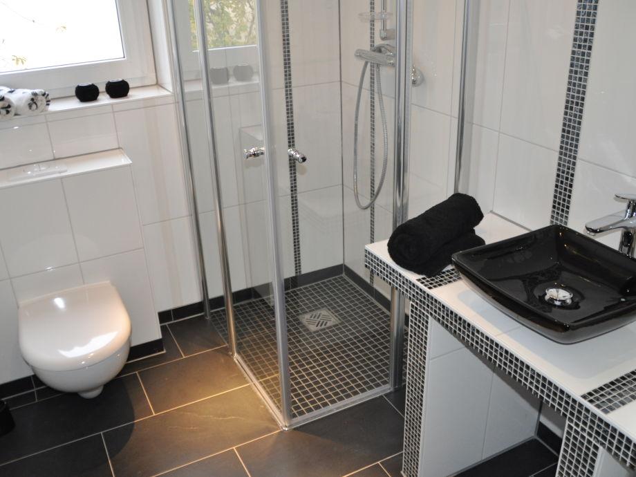 gemauerte dusche modern. Black Bedroom Furniture Sets. Home Design Ideas