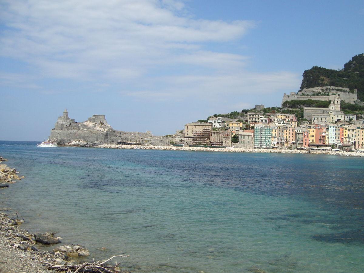 Holiday apartment marina di carrara marblemoutain and for Felsen flooring reviews