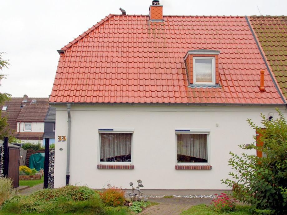 Zugang zum Haus rechts