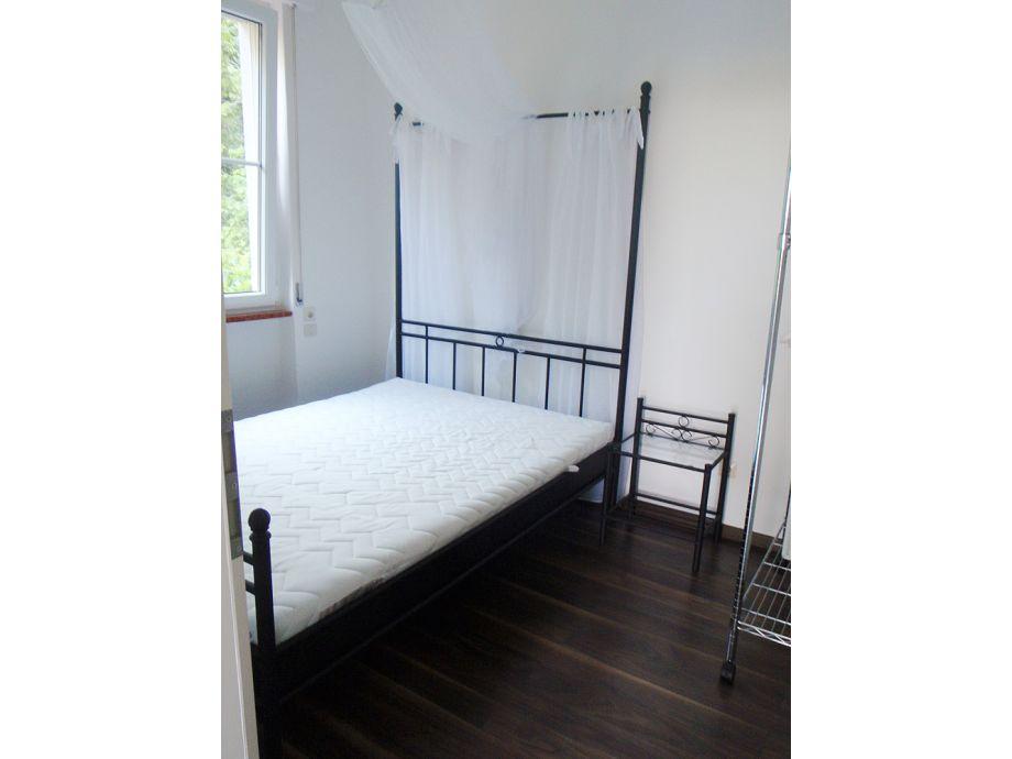 ferienwohnung 2 im og in exklusiver traum villa gardasee herr peter franke. Black Bedroom Furniture Sets. Home Design Ideas