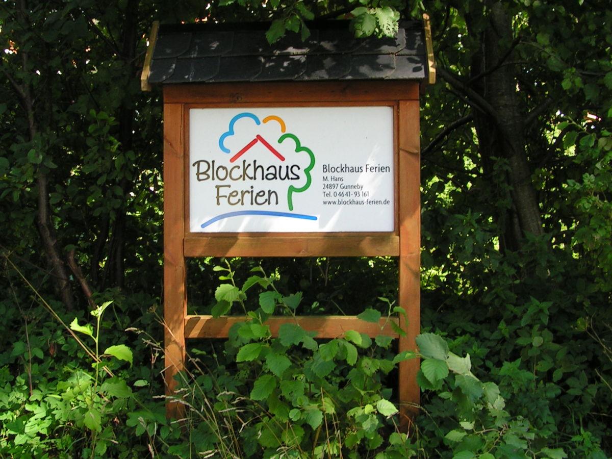 ferienwohnung blockhauswohnung ahneby in gunneby ulsnis naturpark schlei firma blockhaus. Black Bedroom Furniture Sets. Home Design Ideas