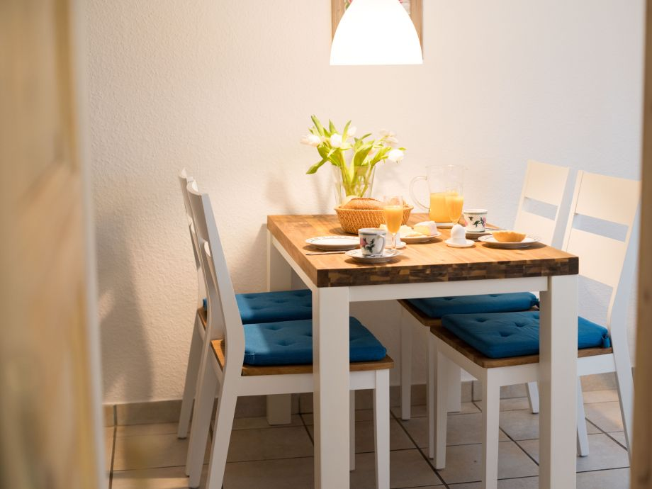 gemütliche Sitzecke in der schönen Ferienwohnung in Duhnen