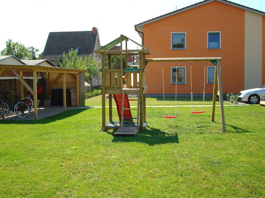 Ferienhaus mit Grünfläche