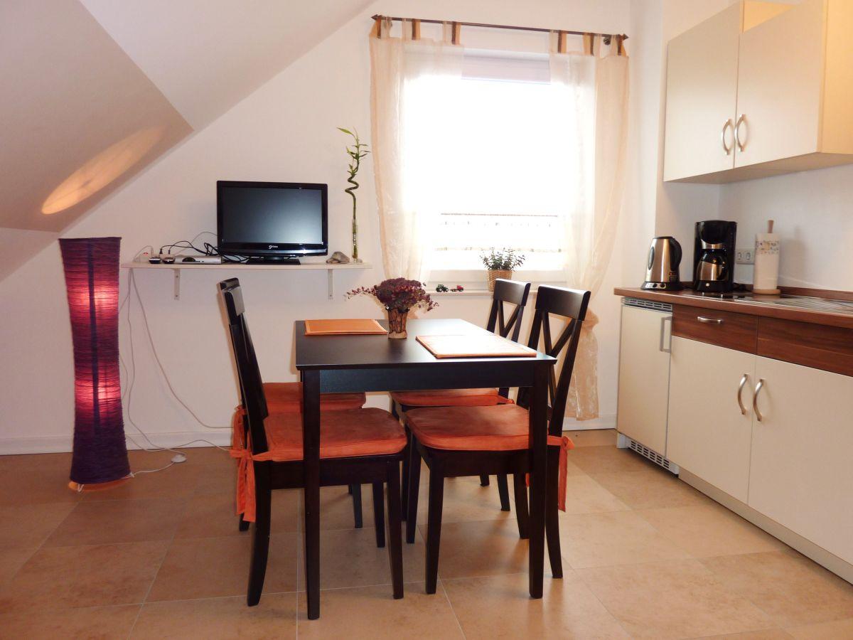 ferienwohnung kunze mecklenburgische ostseek ste bastorf firma ferienwohnung mit seeblick. Black Bedroom Furniture Sets. Home Design Ideas