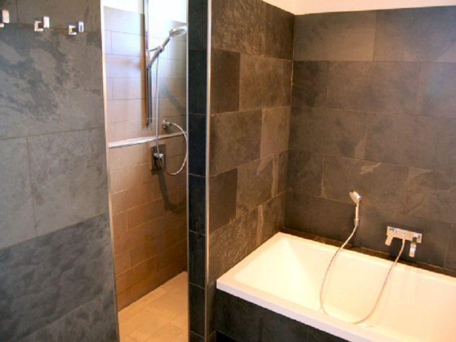 Schön 2 X Badezimmer (3 X Dusche 1 X Batt)
