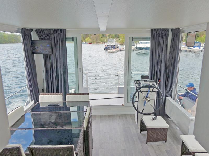 YachtSuite das schwimmende Ferienhaus