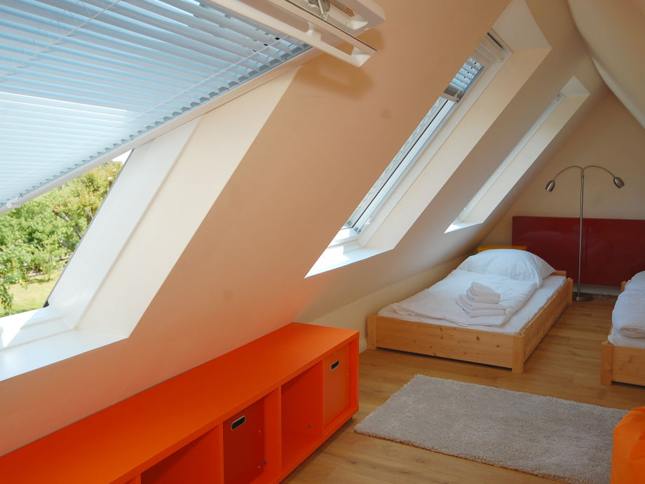 ferienhaus kunterbunt sylt firma appartementvermittlung pirko schmidt frau pirko schmidt. Black Bedroom Furniture Sets. Home Design Ideas